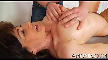 Mamma gets her anal creampied 5分钟