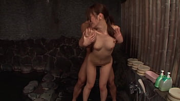 https://bit.ly/2W1slx3 A serious woman working at a hot spring inn who happened to see a big dick that I have never seen before can not suppress the excitement ... Part 2