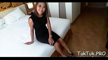 Hooking up a nice-looking thai beauty 5分钟