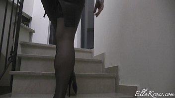Ella Kross: sexy feet 5 min