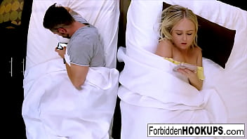 Streaming Video Sexy blonde fucks her horny step-brother - XLXX.video