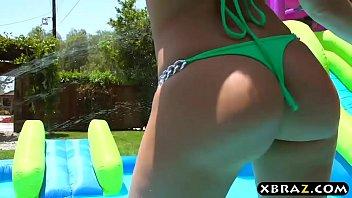 Pornstar bitch Kagney Linn Karter ass fucked outdoor