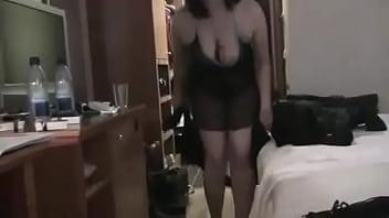 مصرية قحبة مع سائح عربي زبون في فندق بالقاهرة.flv - YouTube