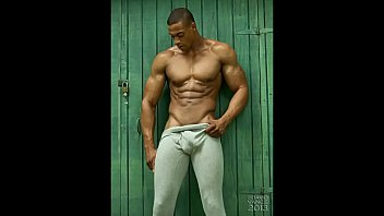 Muscle Black Man Stroke and Cums