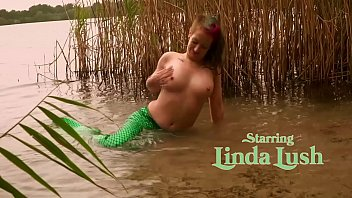 Keep the little Mermaid Bitch wett and Cum Sperma drenched