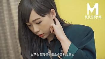 【国产】麻豆传媒作品/MD-0068 化妆师 001/免费观看