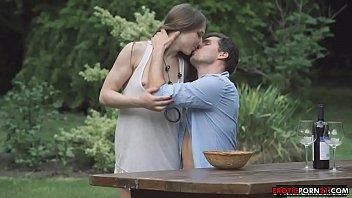 野餐时肛交