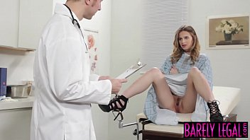 Young Jillian Janson pounded with naughty doctors cock 8分钟