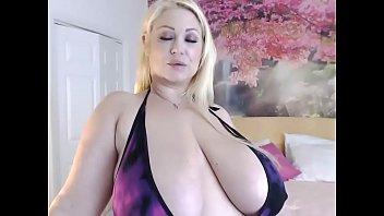 Gorgeous BBW on Cam -