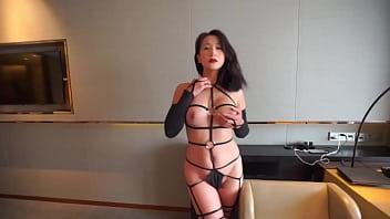 My slut model Luna likes wearing pantyhose 28分钟