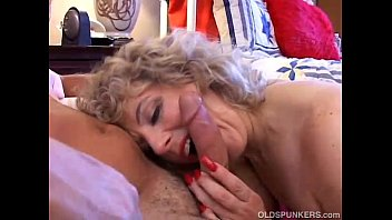 Sexy mature amateur loves to fuck thumbnail