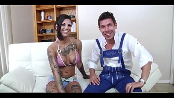Tattooed Bitch Bonnie Rotten On Roller Skates - More at PornHd19.Stream