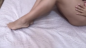 I massage my cousin and she cums 23 min
