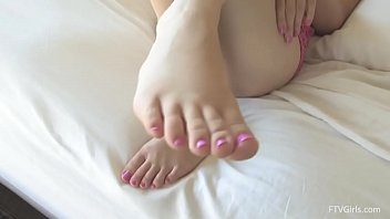 Kennedy Kressler playing with her feet and pussy