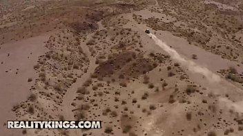 Big Naturals - (Cassidy Banks, Quinton James) - Offroad Road Head - Reality Kings