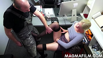 Slutty Claudia gets slick cunny pounded