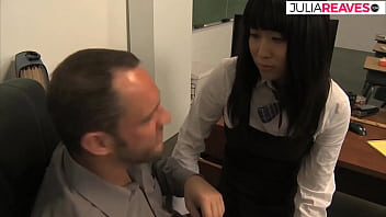 Clip sex Cute Asian secretary wants her salary to be increased