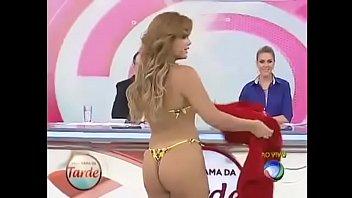 Geisy Arruda parading in a bikini - Afternoon Program