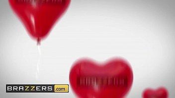 Big Butts Like It Big - (AJ Applegate, Keiran Lee) - Earning My Valentine - Brazzers