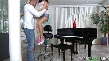 Tiny Teen Piano Player Plays A Huge Cock Porno indir