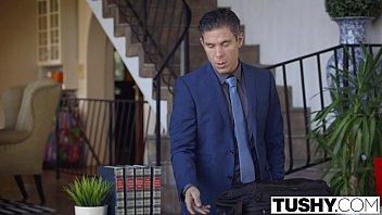 TUSHY Hot Babysitter Taylor Sands Enjoys Anal Vorschaubild