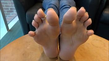 Perfect trini indian feet 2 min