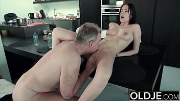 Big dick dude fucks young tart in her tight pussy