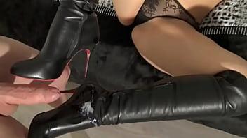 Cum On My Boots. 1024
