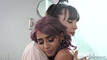 Eating my wifes ass - Sad wife and the lesbian female builder - janice griffith, dana dearmond