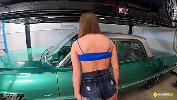 Roadside - Mechanic Tricks His Female Customer Into Sex