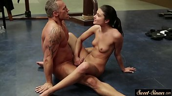 Cockriding Step daughter Screwed On The Floor d On The Floor