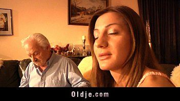 Grandpa gives ass-fuck to young Alice