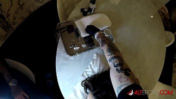Genevieve Sinn fucked while getting her face tattooed