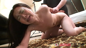 Hairy Pussy Japanese Cougar Filled With Creampie POV