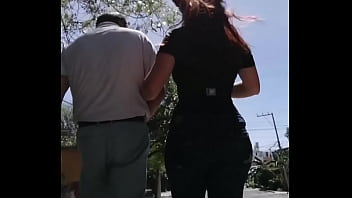 This neighbor is an unfaithful whore and her husband a jerk, he didn't even realize that he recorded his bitch's buttocks, and he doesn't know that the slut cheats on him with several bastards, her name is Esther, she is from the La Paz neighborhood in Pu