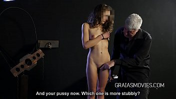 Young slut gets her punishment 2分钟
