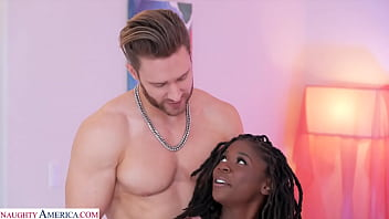 Naughty America - Hazel Grace wants that big cock 7分钟