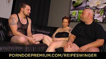 REIFE SWINGER - Threeway sex for mature German BBW lady