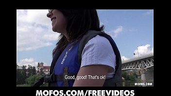 Beautiful Czech amateur is paid cash to cheat on her BF in public 12分钟