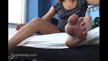 Masturbating with her Feet showing 14 min