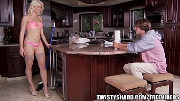 Anikka Allbrite  knows how to get her man to d et her man to do what she wants