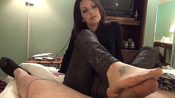 Nylon Footjob  - www.freecams.ovh
