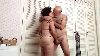 OLD COUPLING FONDLING porno izle