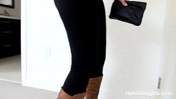Ashley Attacks Sabrina - netvideogirls Vorschaubild