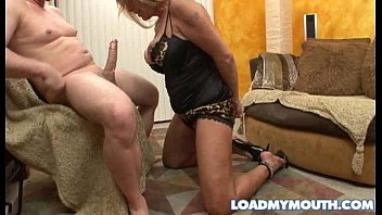 Extreme shemale tubes Overthumbs.com.debi diamond blows tube clips at over thumbs