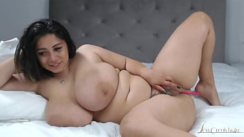 Romanian Woman With Huge Tits Makes Love For 500 Lei