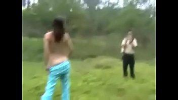 中國女孩野外拍攝和打炮