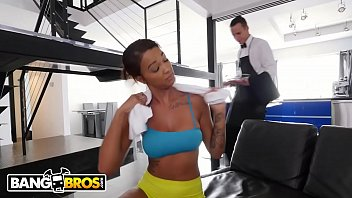 Celebritys with big asses - Bangbros - ebony harley dean making butlers day with her big tits and big ass