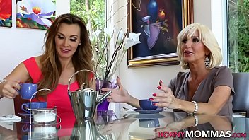 Teen lesbian blonde eats out old stepmom