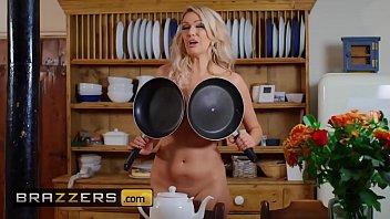 Milfs Like it Big - (Amber Jayne, Danny D) - New To Nudism - Brazzers 10 min
